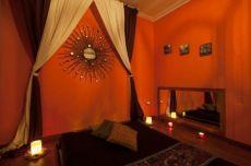 698336395 - Gana 100€ por cliente realizado. Buscamos masajistas tantricas y escorts en Barcelona